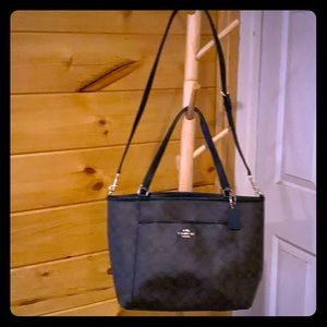 Like new Coach Tote Brown - LARGE